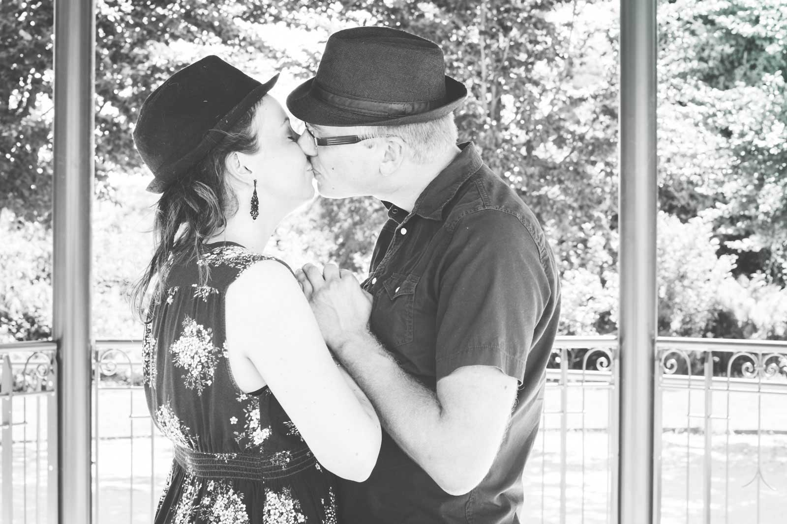 Photo couple extérieur parc Orléans